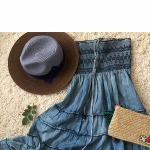 Accessories - NWOT Bow straw hat in blue and brown💙💙